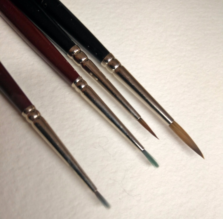 "Comparison of Detail Brushes : Midrange Synthetic vs. ""High End"" Kolinsky Sable"